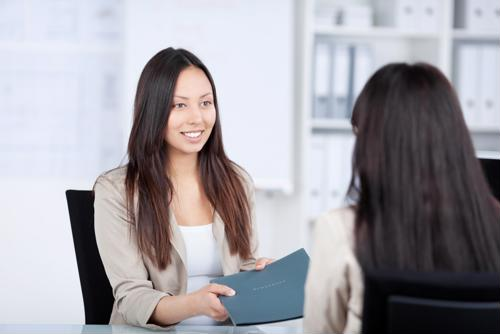 5 ways to make a good first impression in an interview