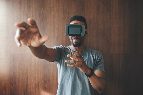 More manufacturers turn to VR training