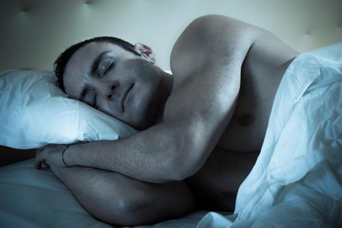 5 ways truckers can get a better night's sleep