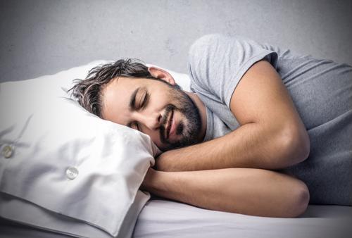 Addressing sleep apnea may help truckers save money, drive safer