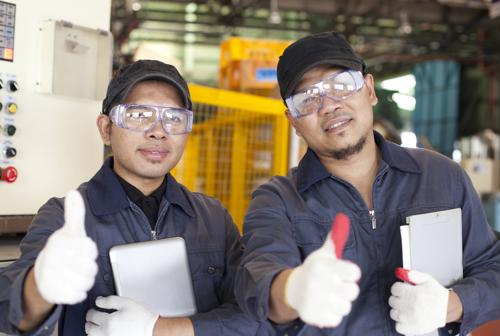5 ideas to improve manufacturing worker engagement