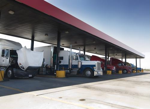 5 tips to help truckers save on fuel