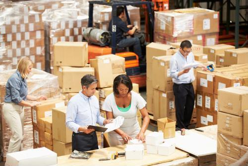 5 ideas for warehouses to retain seasonal employees
