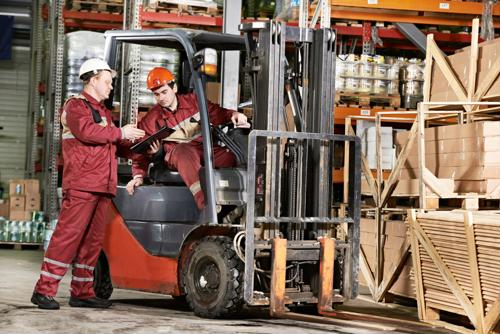 8 ways to be a better forklift driver