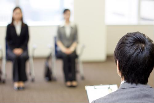 7 tips for better body language in a job interview