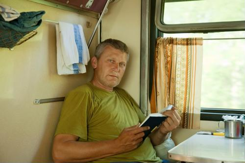 7 ways to keep your cab and sleeper berth organized