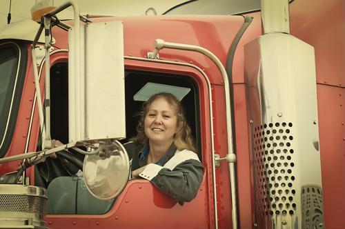 4 vital trucker safety training tips