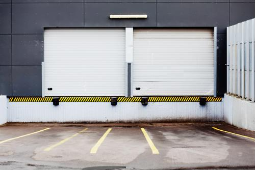 5 ways truckers can stay safe on the loading dock